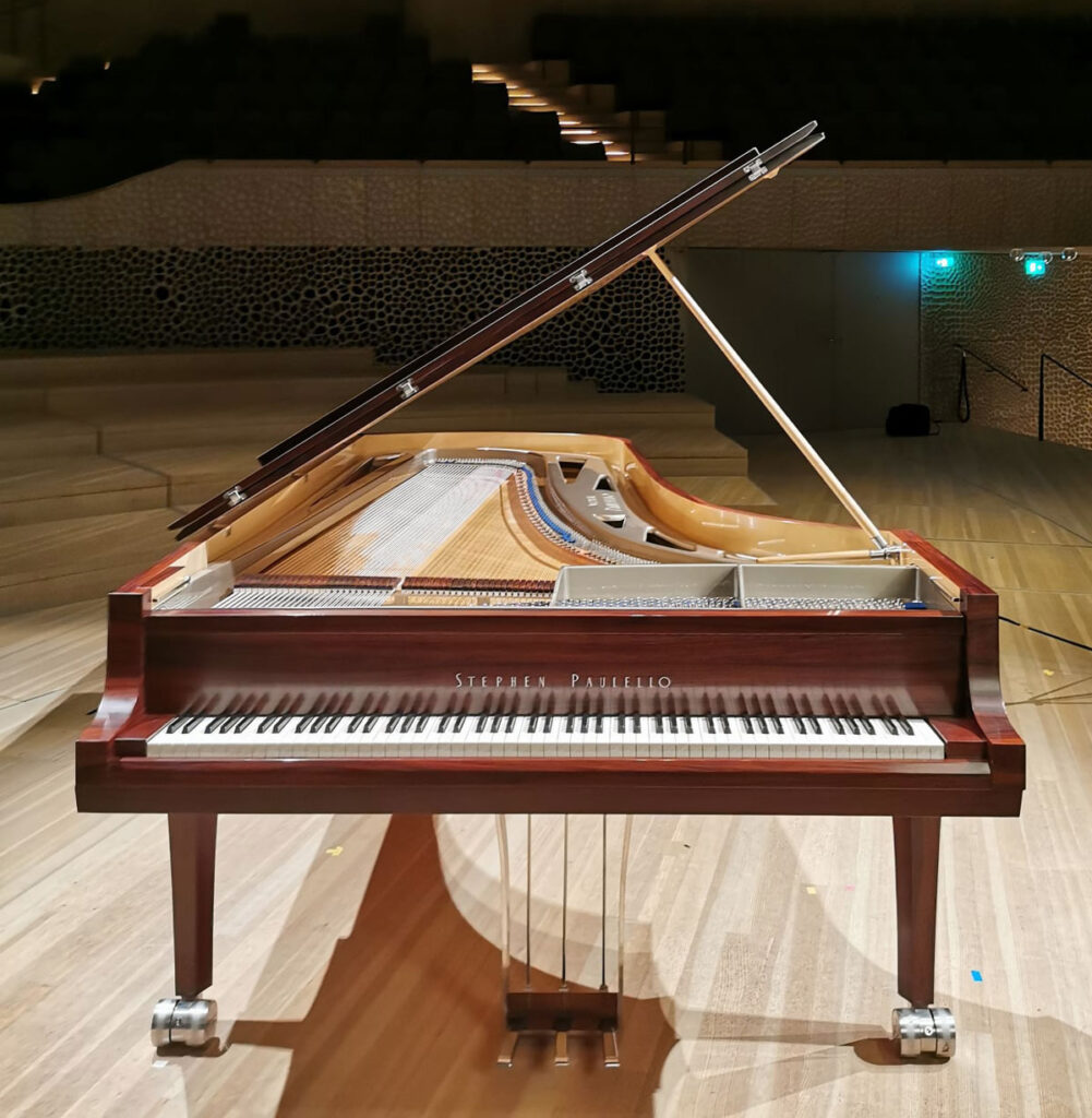 Stephen Paulello - 102 keys grand piano